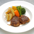 8月のランチ「岡山ピーチポーク」フィレ肉のハニーマスタード焼き